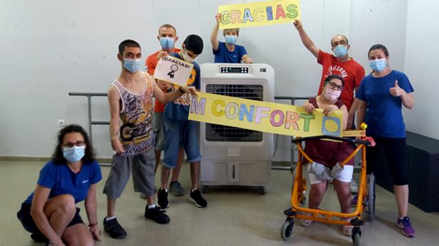 MCONFORT dona 4 equipos de climatización a AVAPACE